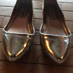 Steve Madden silver pointed flats